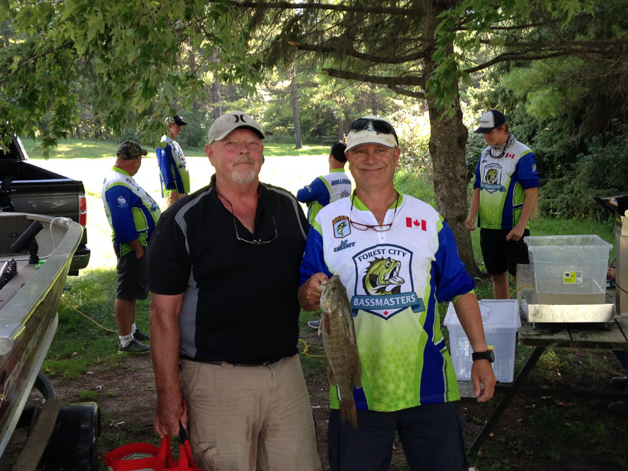 2016 Conestogo Lake Big Fish winners (and 3rd place finishers) Rick Morrison (left) and Jeff Collett (right).